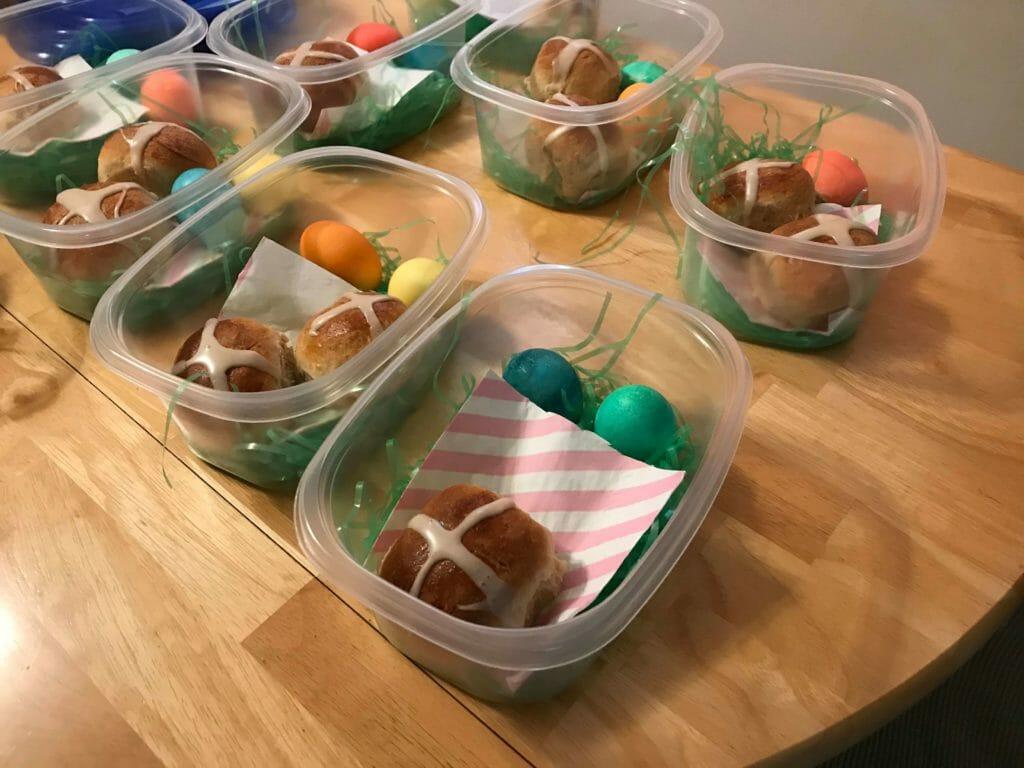 Easy Easter basket for elderly neighbors